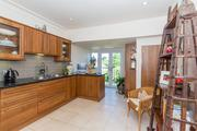 Two Bedroom Flats For Sale in Datchet For £495, 000
